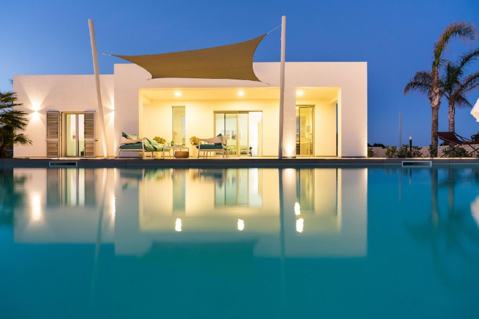 Typologie: <span>Ferienhaus mit Pool</span>